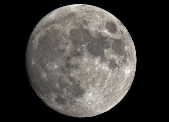 Mond am 18.12.2013