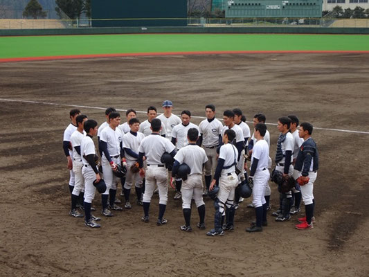 選手間でのミーティングの風景