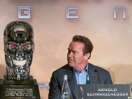 Terminator Genisys - Arnold Schwarzenegger - Pressekonferenz Berlin - 2 - kulturmaterial