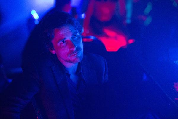 Knight Of Cups - Christian Bale ganz verzaubert vom Farbenspiel- Studiocanal - kulturmaterial