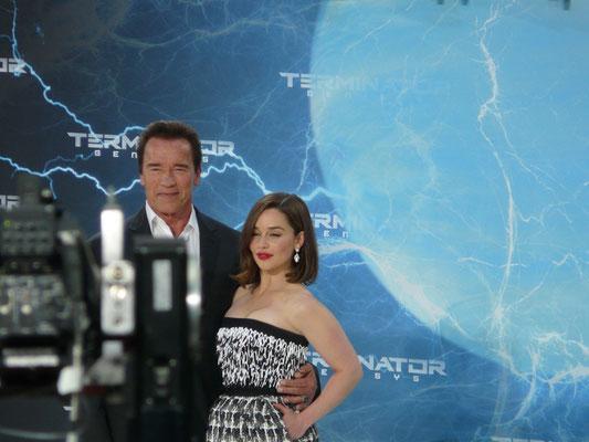 Terminator Genisys - Arnold Schwarzenegger - Emilia Clarke - 2 - kulturmaterial