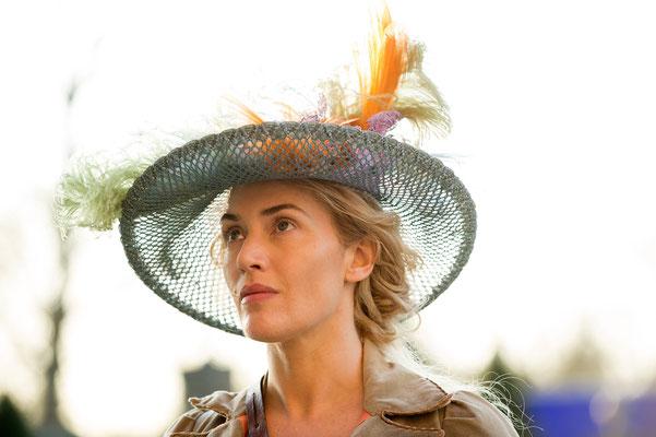 Die Gärtnerin von Versailles - Kate Winslet - Tobis - kulturmaterial
