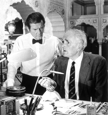 Desmond Llewelyn (rechts) © Danjaq LLC / Metro-Goldwyn-Mayer / 20th Century Fox Home