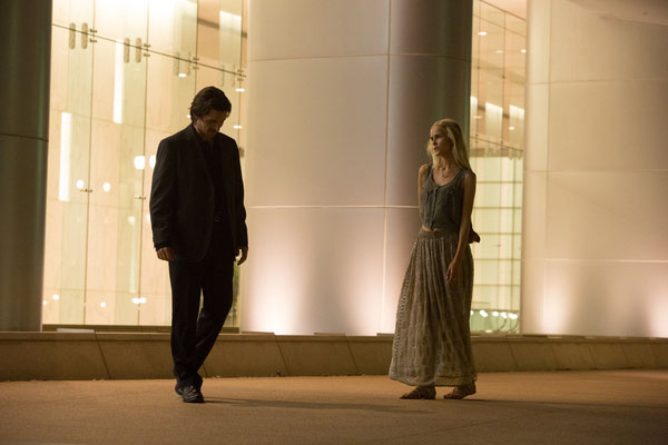 Knight Of Cups - Christian Bale und Isabel Lucas - Studiocanal - kulturmaterial