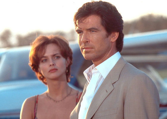 Izabella Scorupco und Pierce Brosnan © Danjaq LLC / Metro-Goldwyn-Mayer / 20th Century Fox Home
