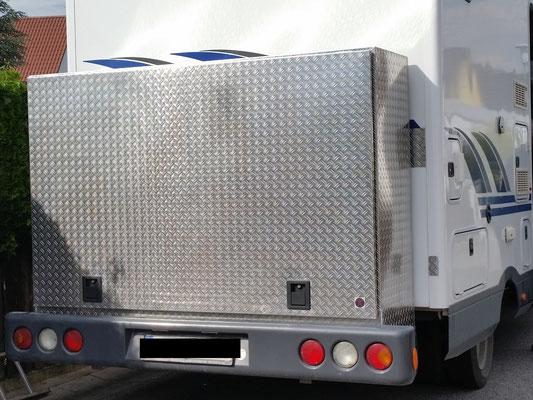 Box 2000 x 1400 x 550