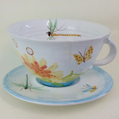 Breakfast cup in our Opale pattern.