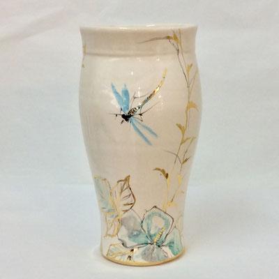 Vase col ovale. Décor gris bleuté, nacre et or.