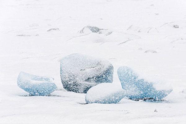 Des pitons revêtus de glace