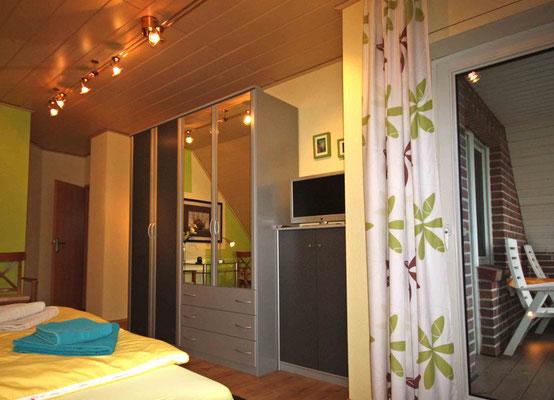 Schlafzimmer S1 im OG