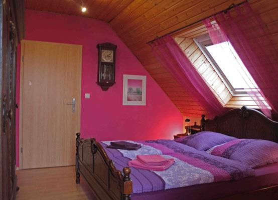 Bett 180x200 Schlafzimmer S5 im OG