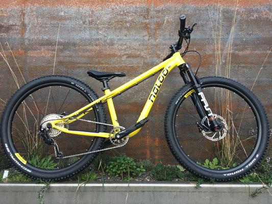 "Naloo Hill Bil 26"" yellow"