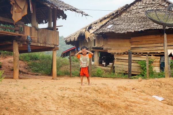 kleines Dorf und Armut