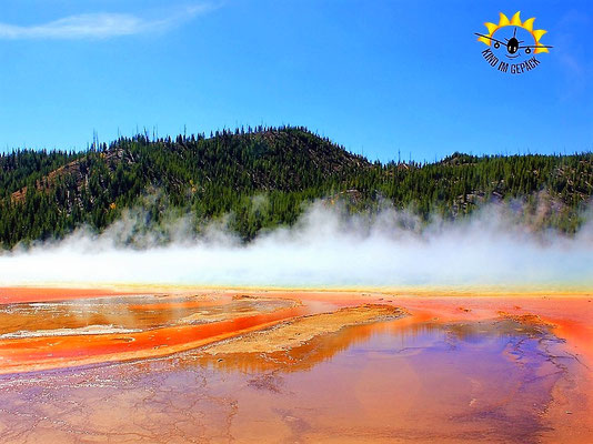 Der Grand Prismatic Spring im Yellwostone Nationalpark.