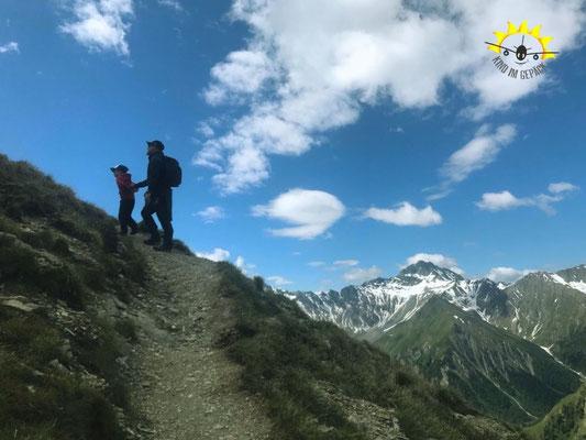Steiler Aufstieg auf den Piz Munschuns.