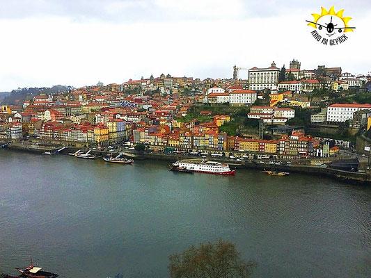 Blick von der Ponte Dom Luis auf Porto.