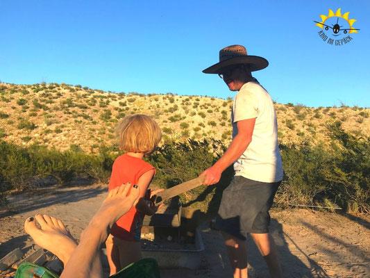 Familienzeit beim Camping im Big Bend.