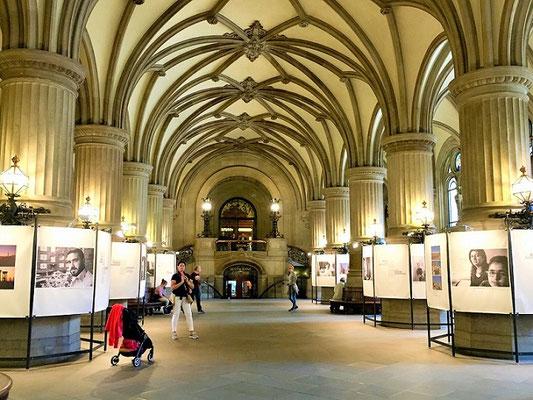 Die Eingangshalle des Hamburger Rathauses