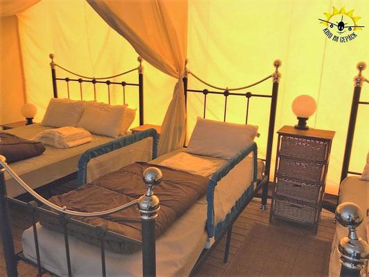 Betten im Eurocamp Safarizelt.