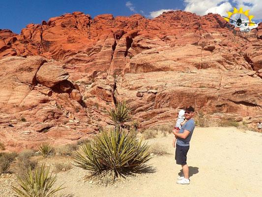 Im Red Rock Canyon bei Las Vegas mit Kind unterwegs.