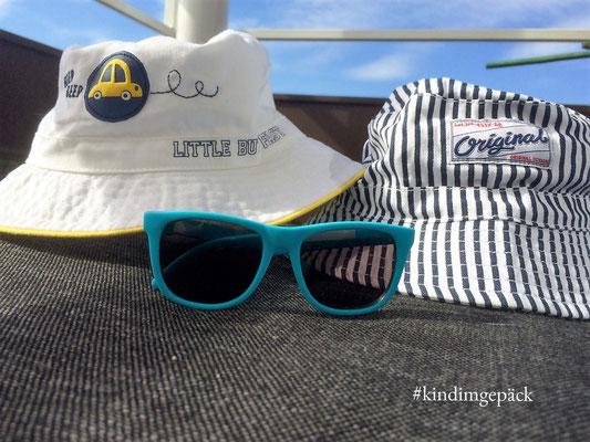 Mit Hut und Sonnenbrille für Las Vegas gerüstet