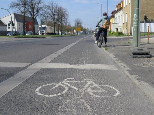 Sa, 18. Mai, 13 bis 15 Uhr: Bündnisgrüne Radtour für alle Interessierten. Geplant ist, die Vision der Radbahn U5 zu erfahren. Startpunkt: U-Bhf. Biesdorf-Süd, Ausgang Schackelsterstraße