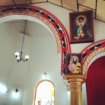 小さなシリア正教会の礼拝堂。インドだけどインドっぽくない不思議な香り。