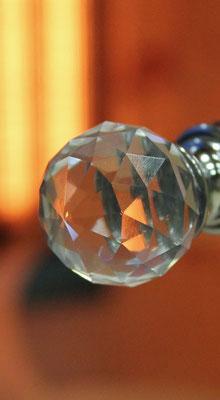 Infrarotkabine | Swarovski-Kristall Türknopf