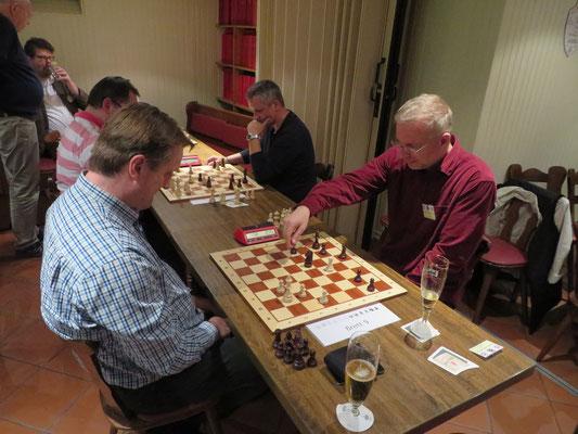 Harte Zeitnotschlachten - Blitzschach als ein neues Terrain für Chessmailer.
