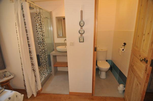salle d'eau/WC séparés