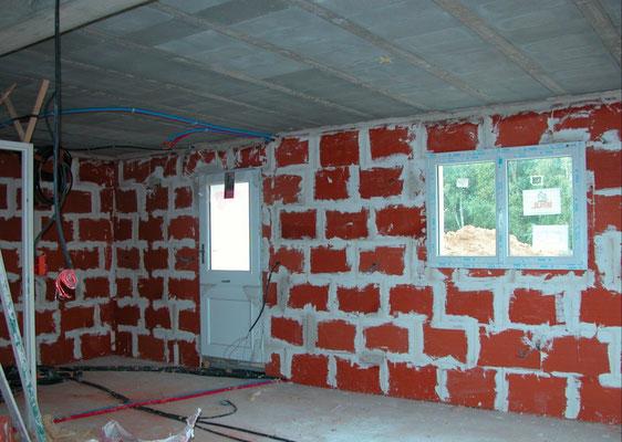 Chantier briques et platre traditionnel y compris les combles, maison BBC, controlée. Controle primaire POSITIF.
