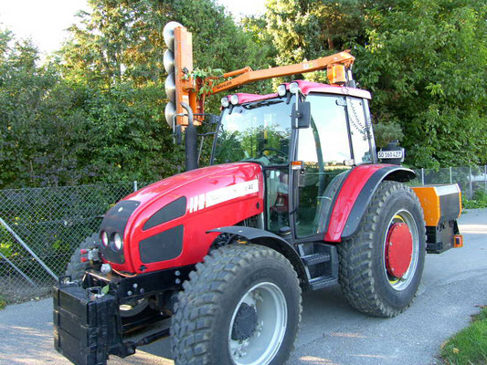 Baumfräse - Reusser Transporte AG Biberist