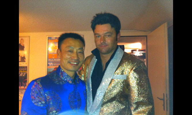 Melvis mit Olympiasieger Donghua Li im Chillout Boswil AG 22. Oktober 2011