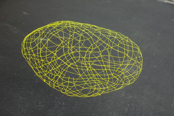 Ganglien gelb, 2013, Draht, Acrylfarbe, Durchmesser circa 60 cm