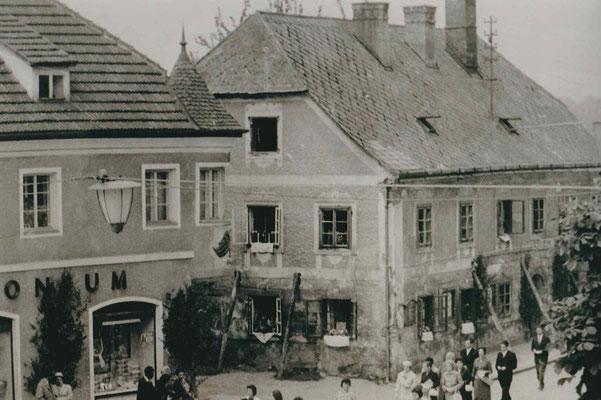 Ehemaliges Armenhaus an der Weißenwolff-Straße um 1950 - heute WW Straße 11