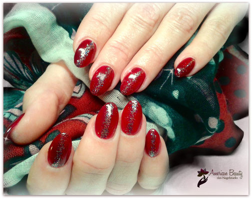 'Moulin Rouge' - Gel Modellage mit Glitzer