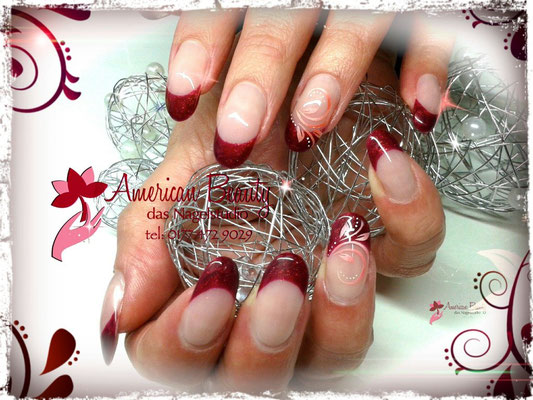 French in Golden Bordeaux - Gel Modellage mit Airbrush Design