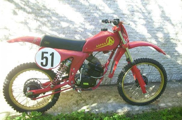 Aspes 50 crc prototipo vincitrice campionato motocross d'epoca FMI 2006 con Antoine Fratini