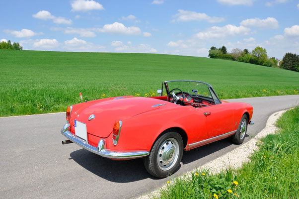 alfa romeo giulietta spider veloce classic trips. Black Bedroom Furniture Sets. Home Design Ideas