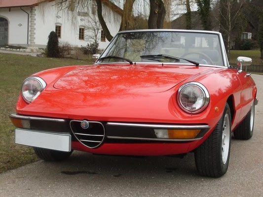 alfa romeo spider 1600 classic trips oldtimer. Black Bedroom Furniture Sets. Home Design Ideas