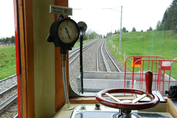 Nr. 2027 / 18.05.2012 / Rigi, Rigibahn/ 3872 x 2592 / JPG-Datei