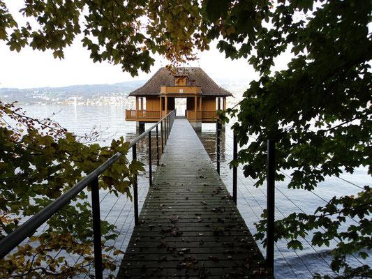 Nr. 300 / 30.10.2011 / Zürichsee, Badehaus Halbinsel Au / 4000 x 3000 / JPG Datei