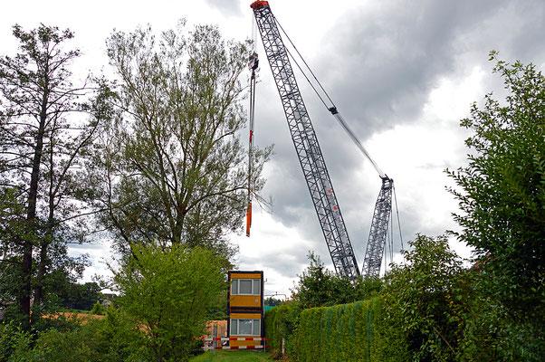 5230 / Woche 30 / Grosser Baukran in Niederweningen