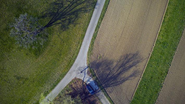 2019, Woche 15, Drohnenaufnahme bei Strubikon