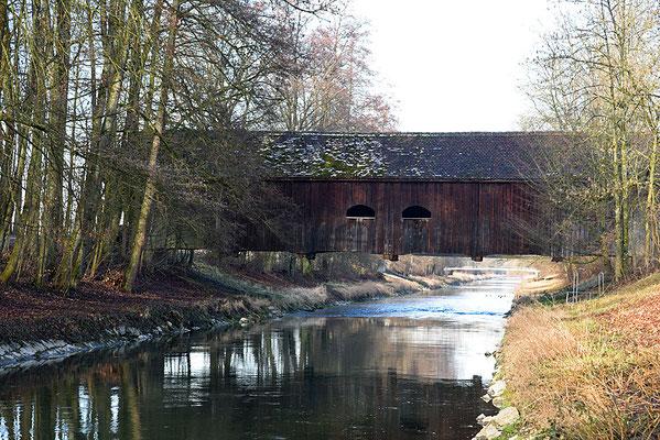 5169 / Woche 9 / Rümlang, Holzbrücke über die Glatt