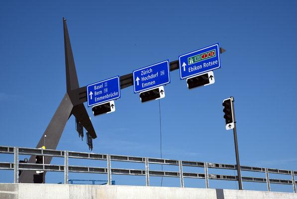 5136 / Woche 36 / Neue Reussbrücke, Zusammenfluss Emme Reuss Luzern