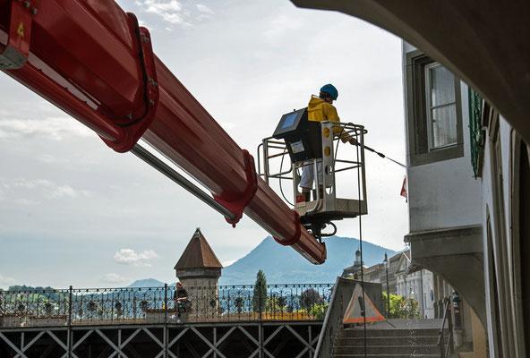 2020, Woche 20, Luzern, Grossreinigung bevor die Touristen wieder kommen