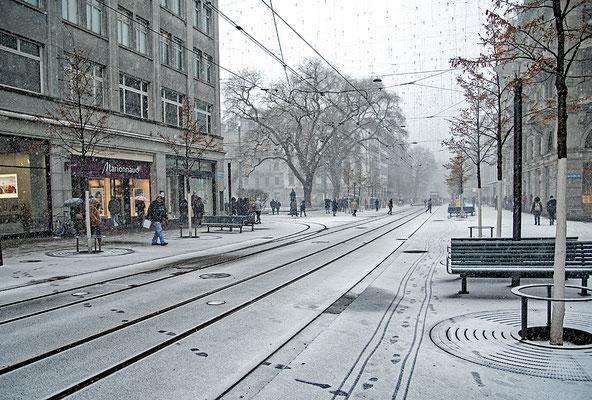 5203 / Woche 3 / Bahnhofstrasse Zürich