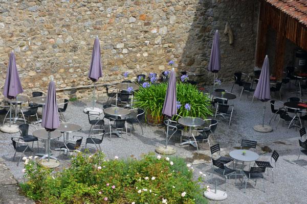 Nr. 5033 / Woche 33 / Café im Schloss Hallwyl, Seengen / 6000 x 4000 / JPG-Datei