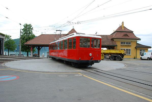 Nr. 2030 / 18.05.2012 / Rigi, Rigibahn Bahnhof Vitznau / 3872 x 2592 / JPG-Datei